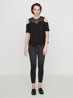 COLD SHOULDER SHORT SLEEVED BLOUSE