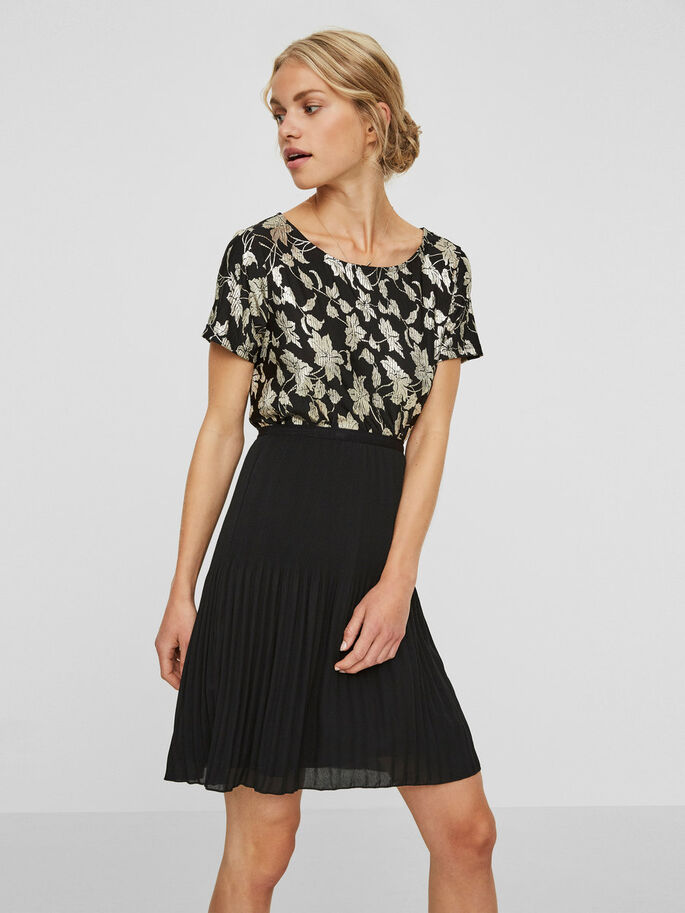 FLOWERED SHORT SLEEVED TOP, Black, large