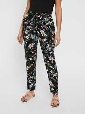 37d274a3ac91 LOOSE FIT TROUSERS. LOOSE FIT TROUSERS. Vero Moda
