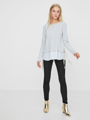 DETAILED LONG SLEEVED BLOUSE