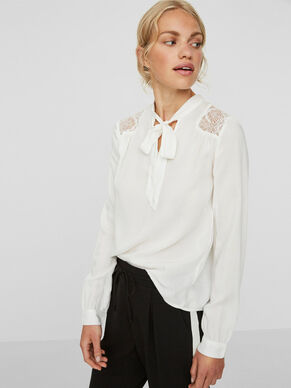 LACE LONG SLEEVED BLOUSE