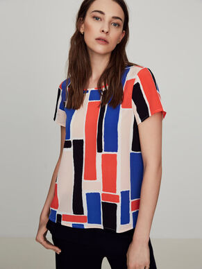 GRAPHIC SHORT SLEEVED TOP