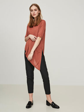 ASYMMETRIC 2/4 SLEEVED BLOUSE