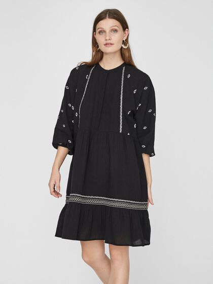 EMBROIDERED 3/4 SLEEVED TUNIC
